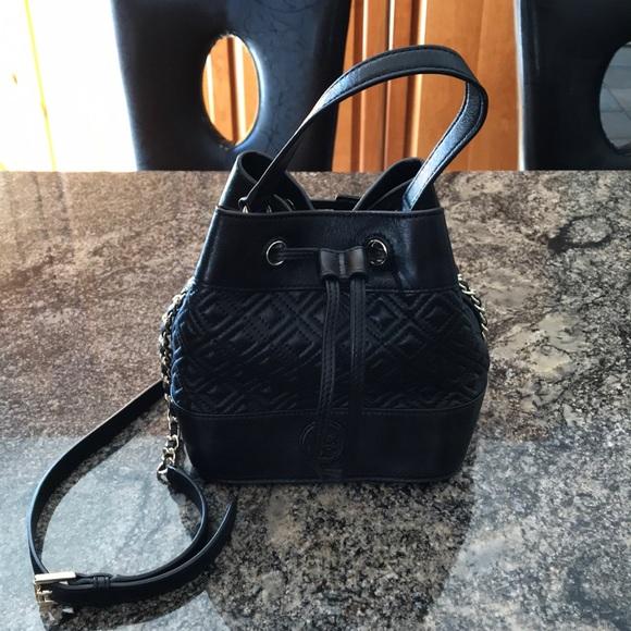 ff98b97c04b Tory Burch Marion quilted mini bucket bag. M_5aafd63750687c162e585c96